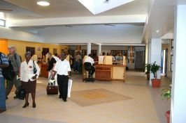 passengers_at_extension_of_terminal_building_jan_2008.jpg
