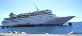 mv_thomson_destiny_at_roseau_cruise_ship_berth_dec_2008.jpg