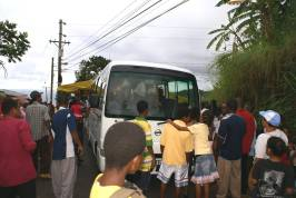 petite_soufriere_children_about_to_board_bus_2009.jpg