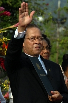 Prime Minister Bruce Golding to resign Sunday