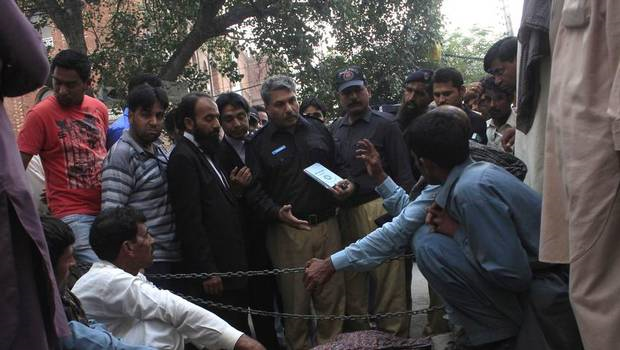 Pregnant Pakistani woman stoned to death by family in front of court  1
