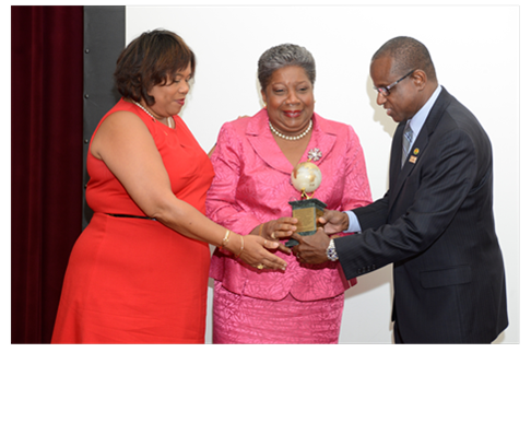 Long standing Jamaican tourism professional Carrole Guntley receives CTO's Lifetime Achievement Award 3