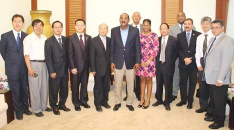 Banned Chinese telecoms giant expresses interest in Antigua-Barbuda 7