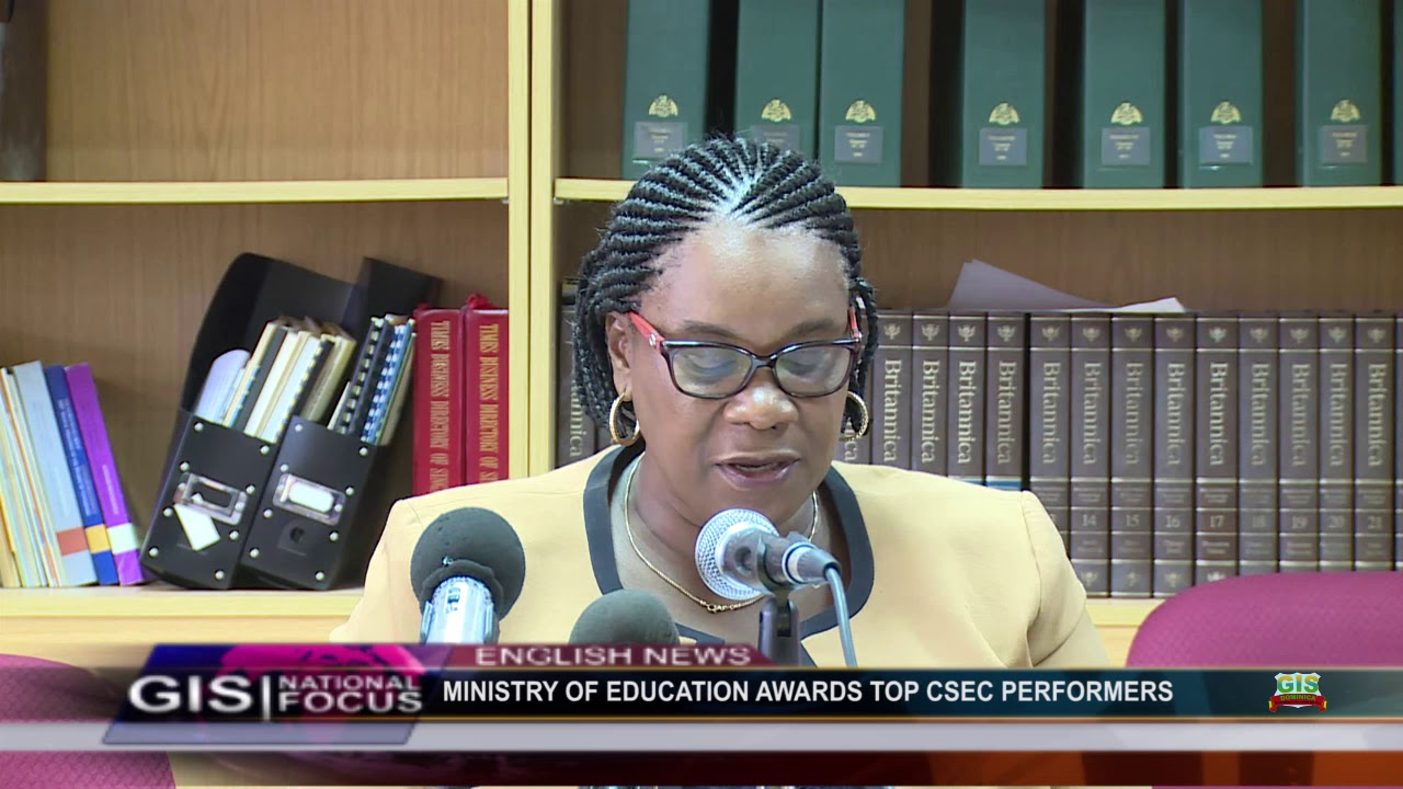 MINISTRY OF EDUCATION AWARDS TOP CSEC PERFORMERS 2