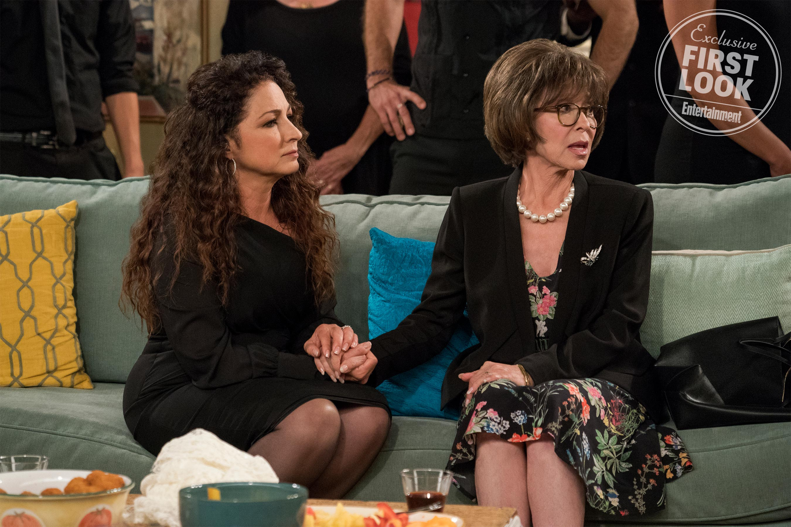 Get your first look at Gloria Estefan on <em>One Day at a Time</em> 1