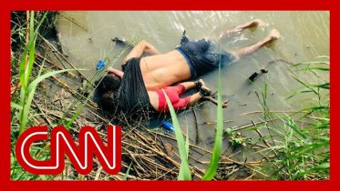 Horrific image illustrates crisis at the US-Mexico border 6