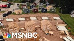 Group Turns To Tiny Houses To End Vet Homelessness | Velshi & Ruhle | MSNBC 4