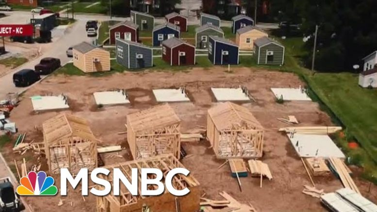 Group Turns To Tiny Houses To End Vet Homelessness | Velshi & Ruhle | MSNBC 1
