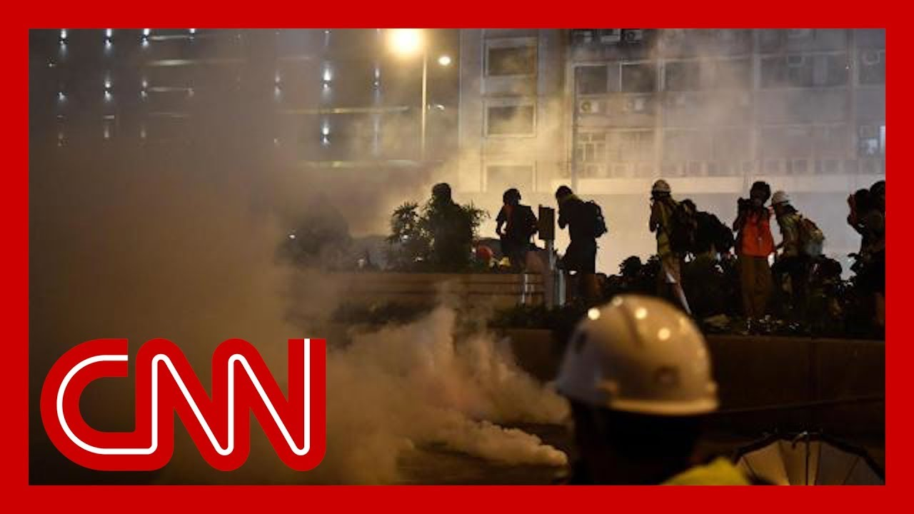 Police fire rubber bullets and tear gas in clash 1