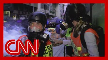 CNN reporter and crew hit by tear gas in Hong Kong 3