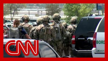 El Paso witness: A kid ran into store to warn us of shooter and no one paid attention 2