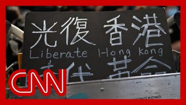 Hong Kong airport occupied by hundreds of protesters 6