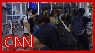 Chaos erupts at Hong Kong airport as riot police take on protesters 6