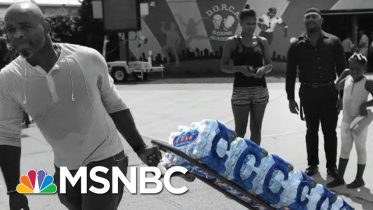 Newark Residents Forced To Face The Summer Heat To Pick Up Drinkable Water | The 11th Hour | MSNBC 6