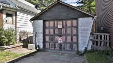 Someone in Toronto is trying to sell this garage for over a half-million dollars 6