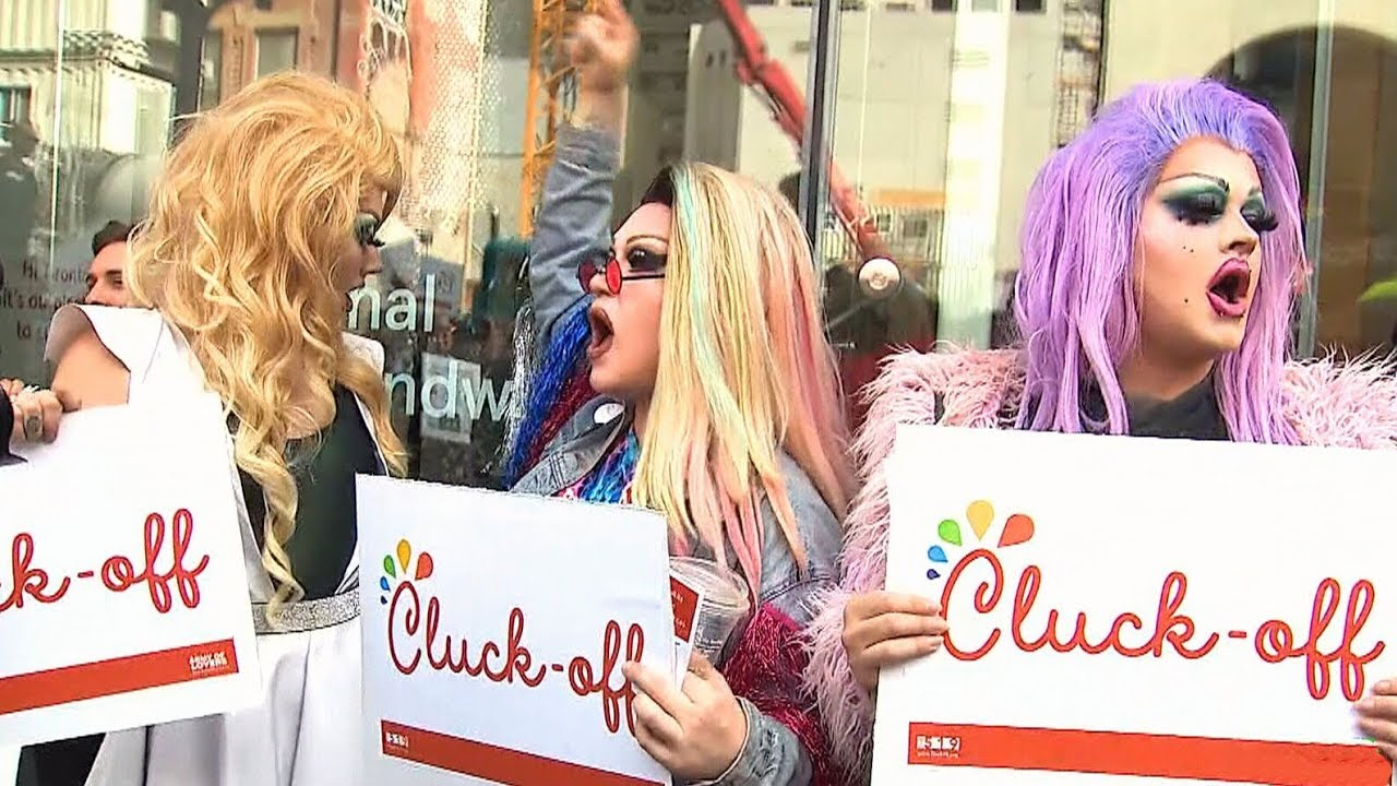 Protesters crash grand opening of Chick-fil-A in Toronto 7