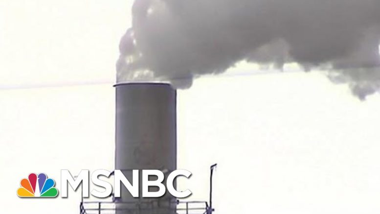 Democrats Call For Sacrifice To Tackle Climate Change | Velshi & Ruhle | MSNBC 1