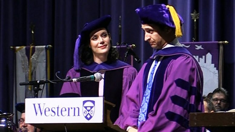 Ice dancers Tessa Virtue and Scott Moir honoured with degrees 1