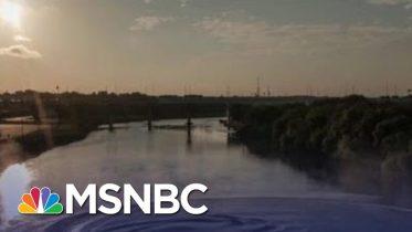 "Senator Kamala Harris Reacts To ""Outrageous"" Trump Idea For Migrants | The Last Word | MSNBC 10"