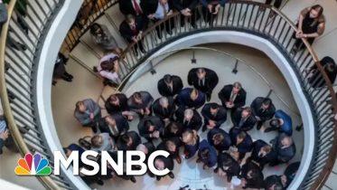 'A Dark Moment': Alleged Trump Ukraine Crime Sends GOP Into Spiraling Circus | MSNBC 6