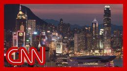 Hong Kong falls into recession after a decade 1