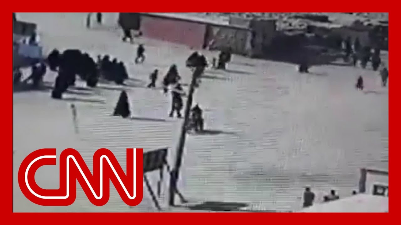 Video shows ISIS family members attempting camp escape 1