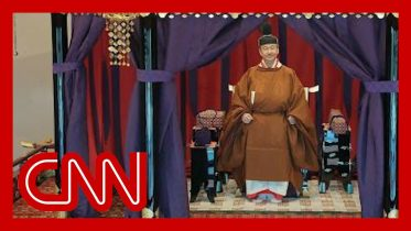 Japan's new emperor formally takes the throne 6