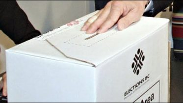 Elections Canada: Voters not allowed to take 'ballot selfies' 6