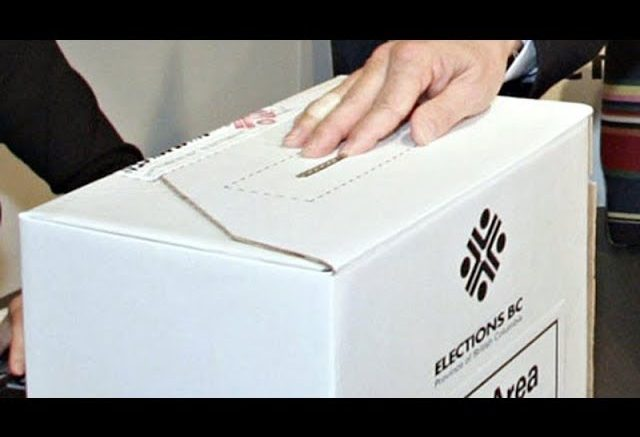 Elections Canada: Voters not allowed to take 'ballot selfies' 1