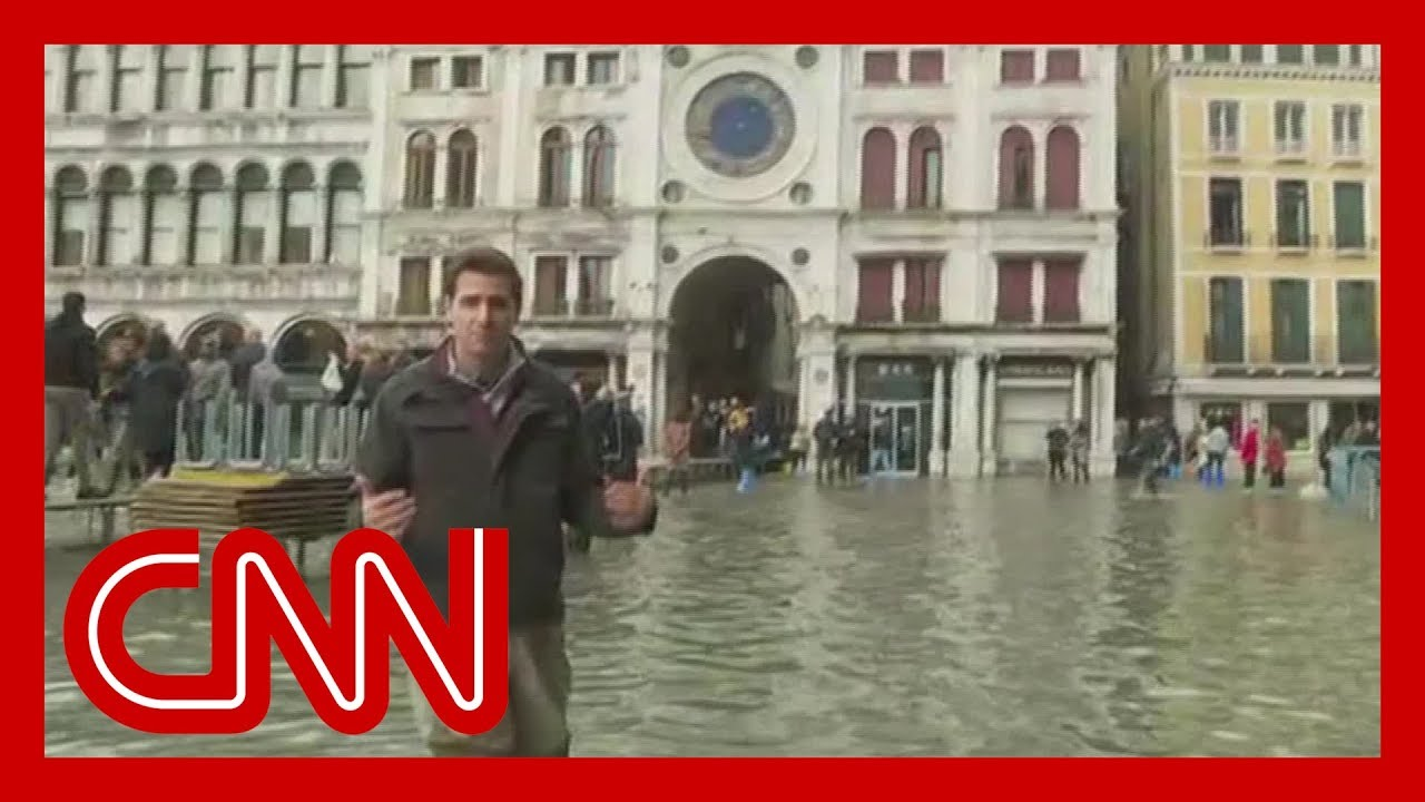 Venice sees worst floods in 50 years 9
