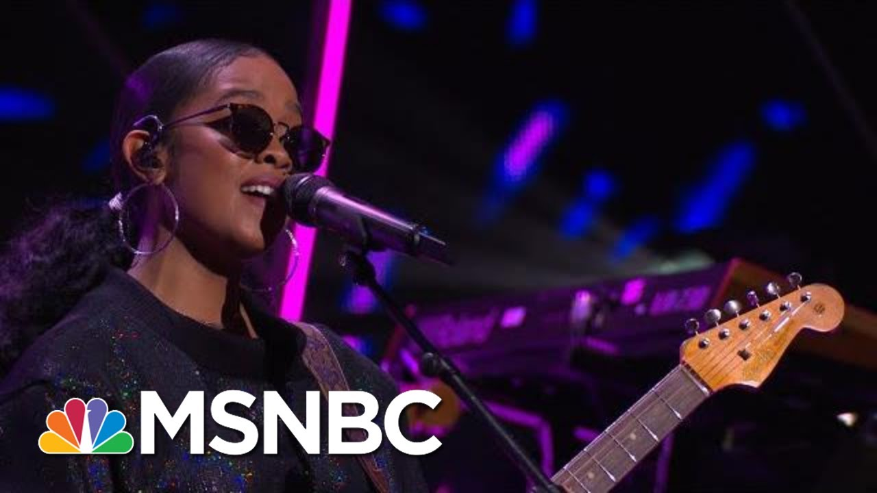 H.E.R. Performs 'Fate' At Global Citizen Prize | MSNBC 9