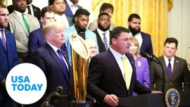 2019 National Champions LSU Tigers visit the White House | USA TODAY 6