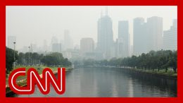 Thick haze from bush fires envelopes Melbourne 4