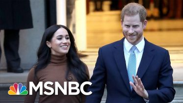 Queen Releases Statement On Meghan And Harry's Future As Royals | MSNBC 6