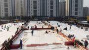 Watch workers rush to build China's coronavirus hospital 3