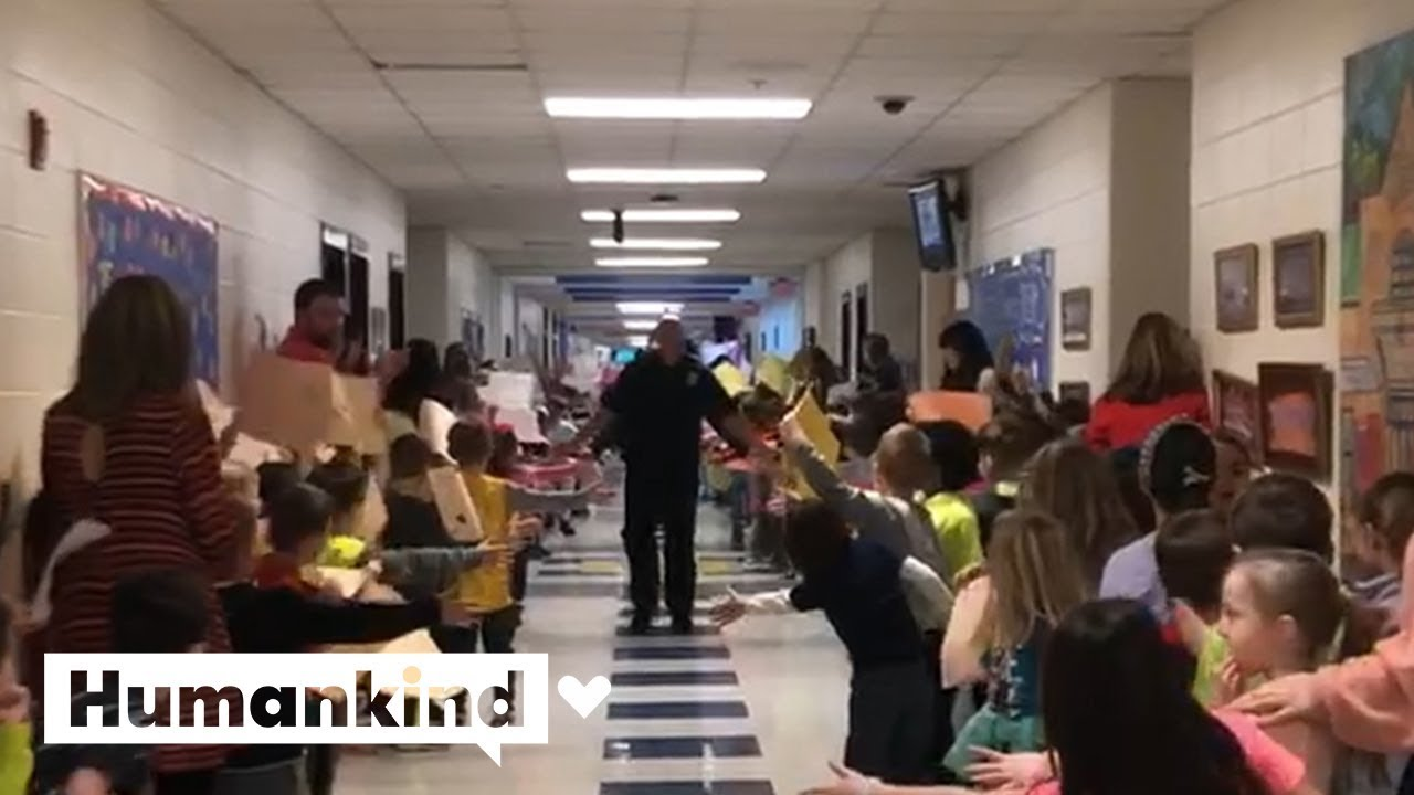 Kids create tunnel of kindness for helpers and heroes | Humankind 1
