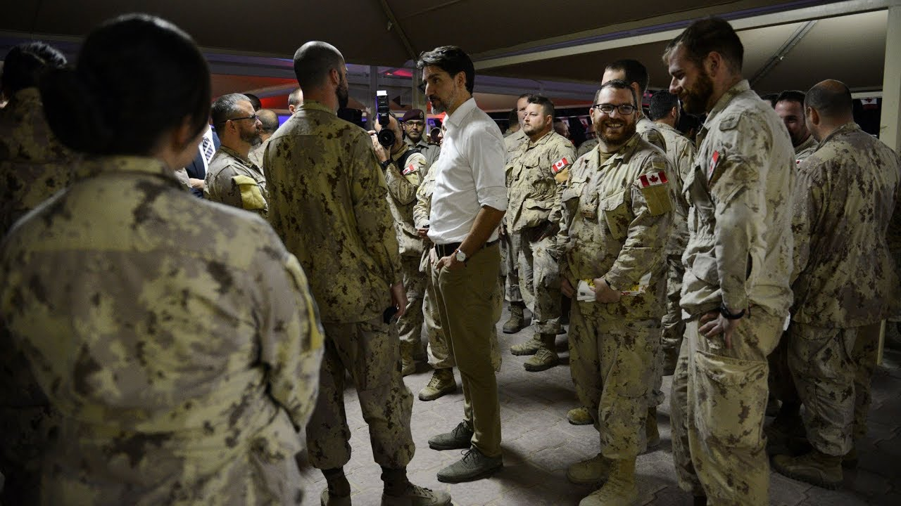 Justin Trudeau makes unannounced stop in Kuwait to visit Canadian troops 3