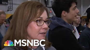 Some Frustration With Undecided Voters As Iowa Caucuses Progress | Rachel Maddow | MSNBC 5