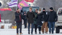 Minister meets with pipeline protesters at Ont. rail blockade 9