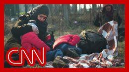 Refugees flood Turkey's border with Greece 1