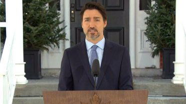 Trudeau announces Canada-U.S. border shutdown but says essential travel will continue 6