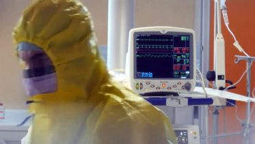 A look inside some of Europe's COVID-19 ICUs 6