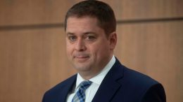 Scheer criticized for ignoring distancing rules and bringing family on flight to Ottawa 9