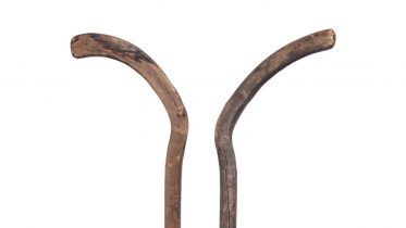 Hockey stick from the 1800s heads to auction 6
