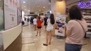 People lineup for bubble tea in Singapore 2