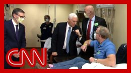 Pence tours Mayo clinic without a mask, despite policy 7