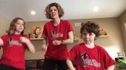 Teachers recorded a dance to cheer up their students 4