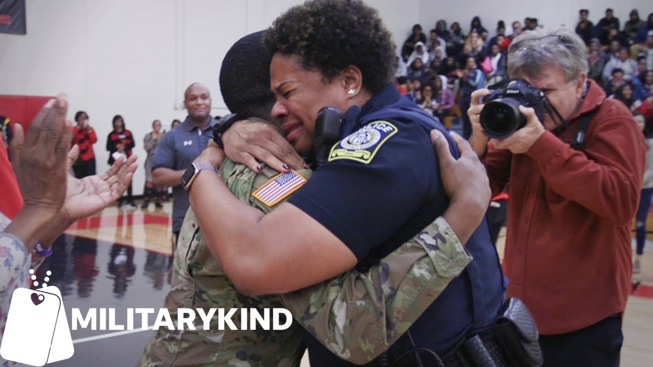 Entire school is in on homecoming surprise for Army mom | Militarykind 9