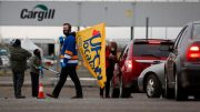 Many workers afraid to return to Alberta meat plant after major COVID-19 outbreak 3