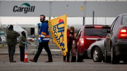 Many workers afraid to return to Alberta meat plant after major COVID-19 outbreak 9